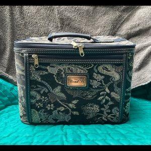 Bond Street vintage vanity case